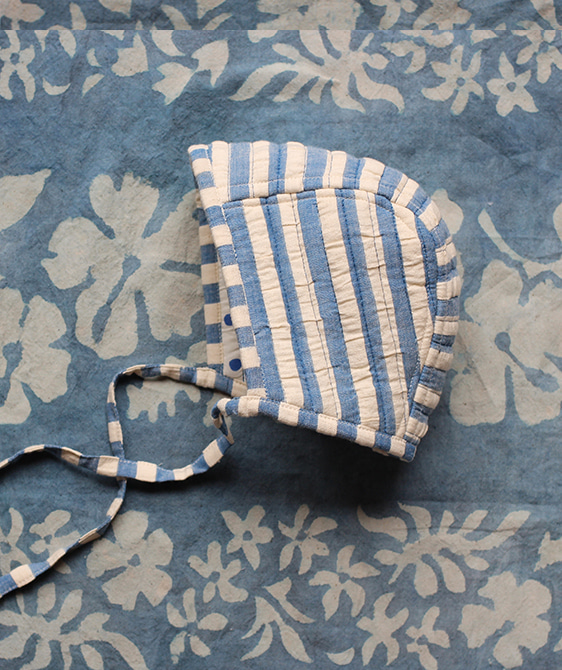 Quilted Baby Bonnet - Blue Dot ★LAST ONE★